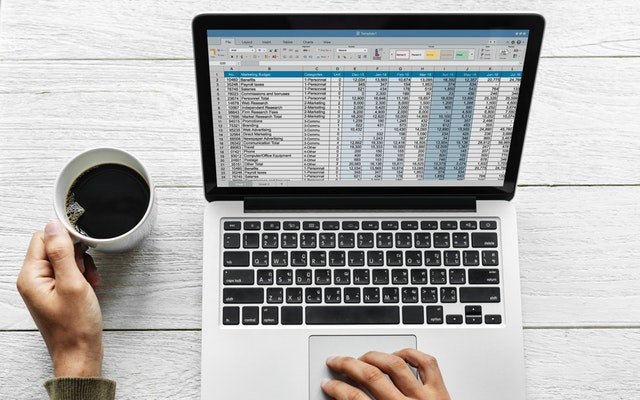 Builderstorm-analysis-close-up-coffee